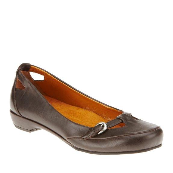 Vionic by Orthaheel Sophia Flat Shoes