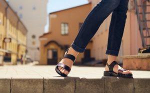 Best Sandals for Plantar Fasciitis Featured