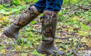 Best Snake Boots For Hiking & Hunting Featured