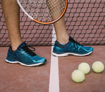 Tennis Shoes for Flat Feet vs. Regular Tennis Shoes