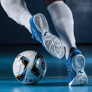 Indoor Soccer Shoes Reviews