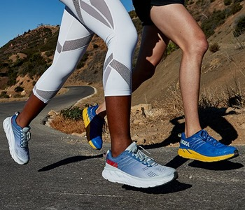 Running Shoes for Flat Feet vs. Regular Running Shoes